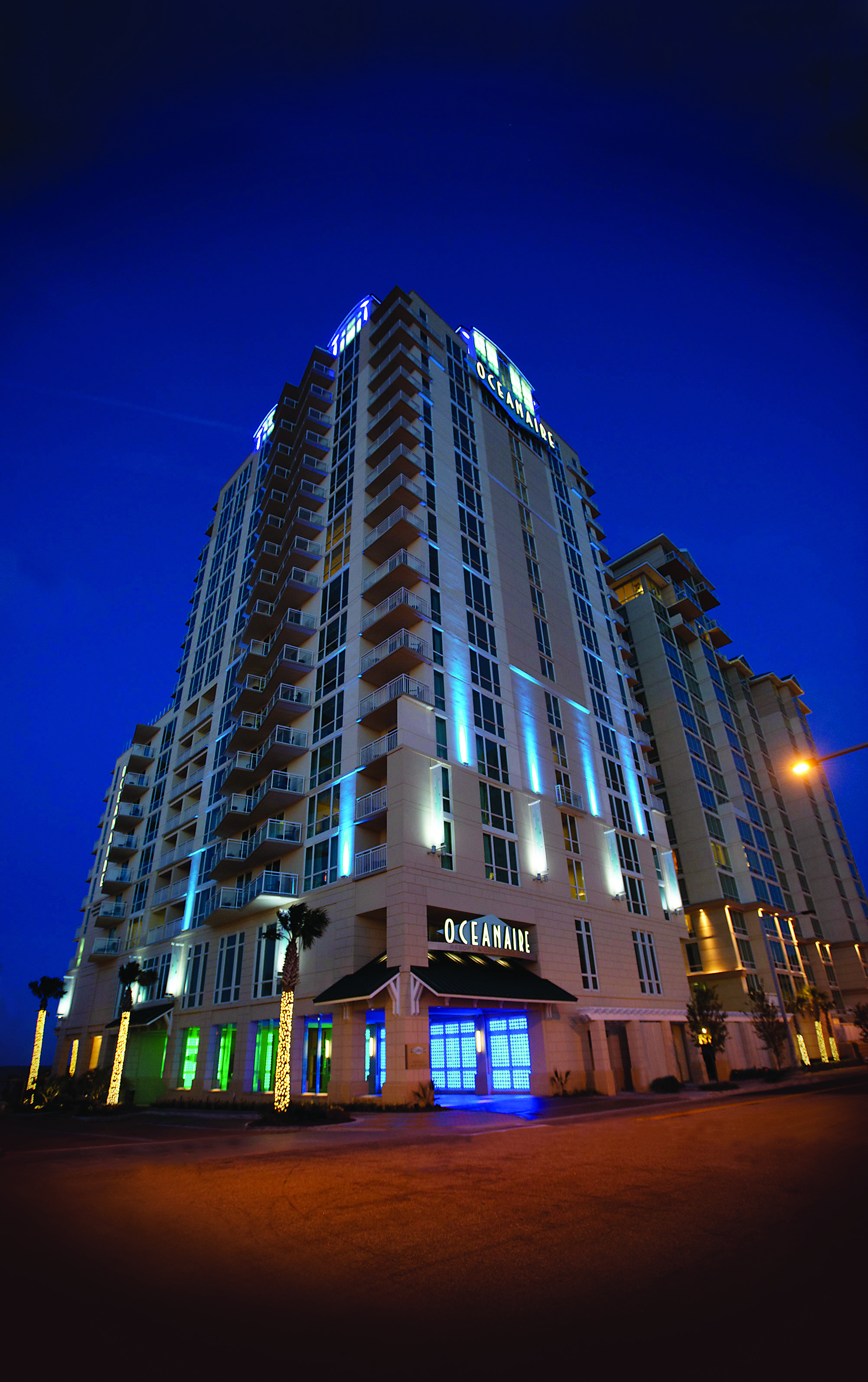 oceanaire by night located on the virginia beach. Black Bedroom Furniture Sets. Home Design Ideas