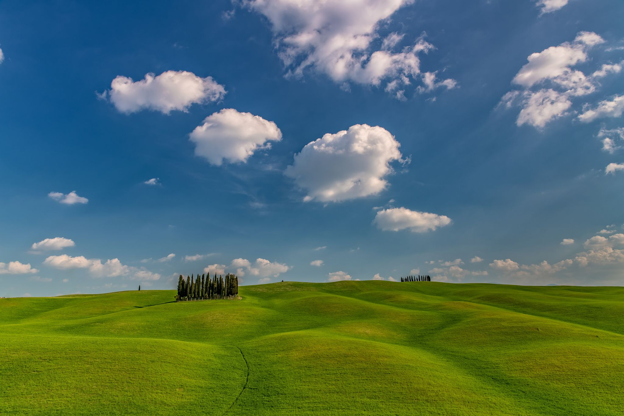 Spring in Tuscany Italy [2048x1366]. wallpaper/ background