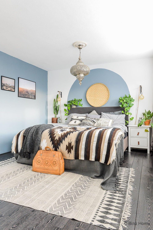 Cirkel verven op de muur als DIY voor de slaapkamer