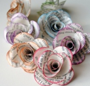 Newspaper flowers crafts pinterest newspaper flowers cool diy book paper flowers make paper roses decorations to add an interesting twist to items including gifts and christmas tree ornaments mightylinksfo