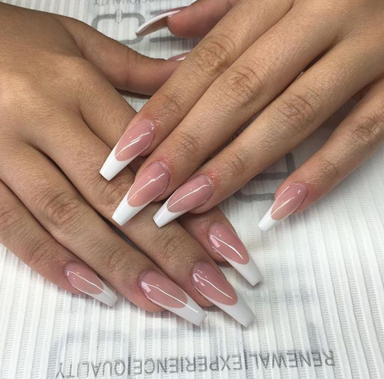 French Manicure With Images French Tip Acrylic Nails White