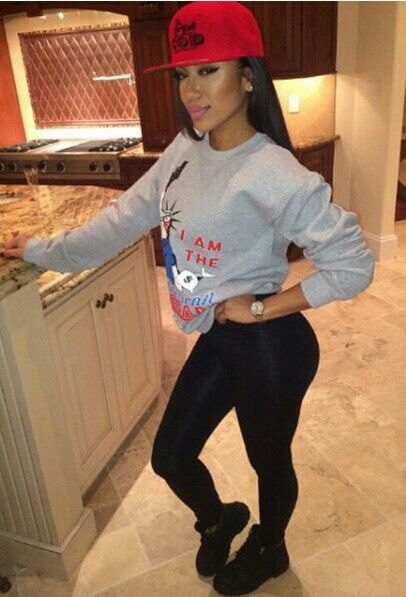 07c8b5ef42 Pretty Girl Swag Dope Outfit Grey Sweater Jumper Leggings Red SnapBack  Black Timberland Boots Urban Streetwear Fashion Hip Hip Style Trend  Fashionista ...