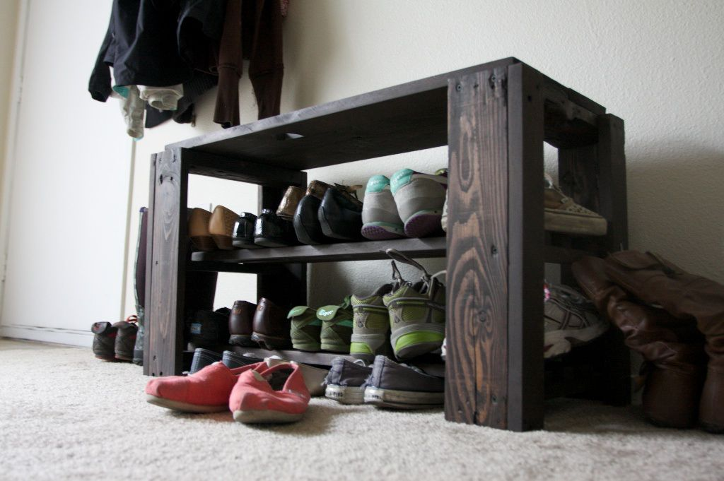 Pallet wood Shoe Rack Bench is perfect for your mud room or bedroom ...