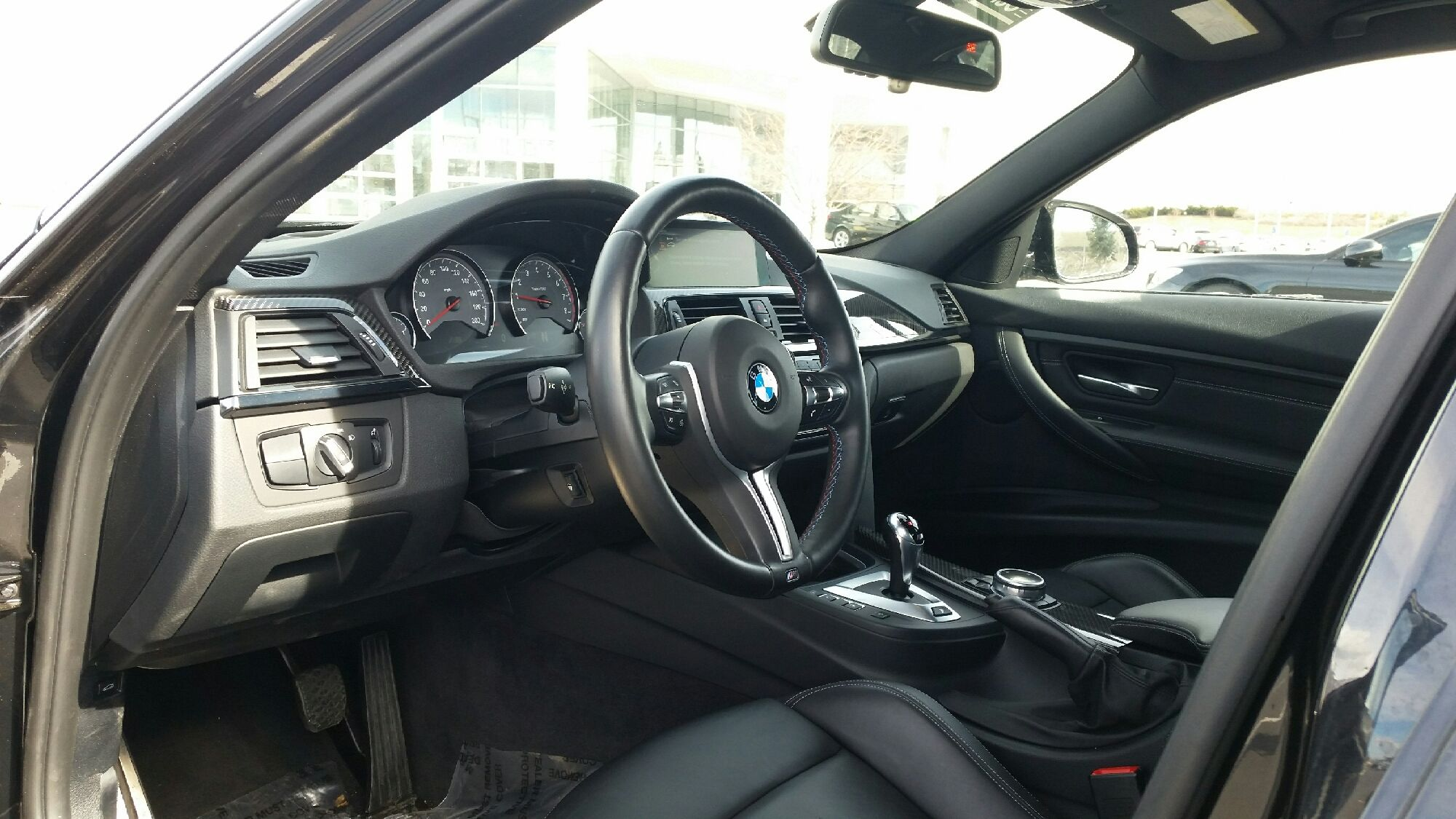 The front seats and dash of the BMW I want.