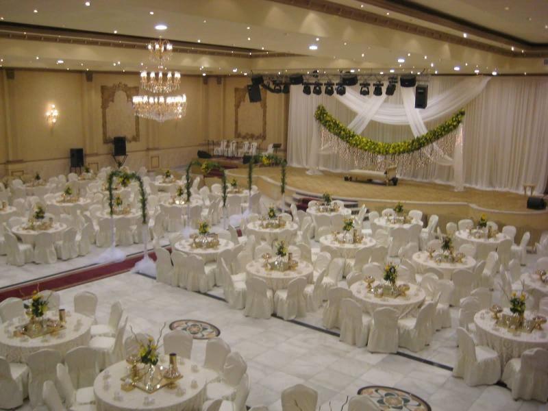 قاعة الجوسق للاحتفالات Table Decorations Home Decor Table Settings