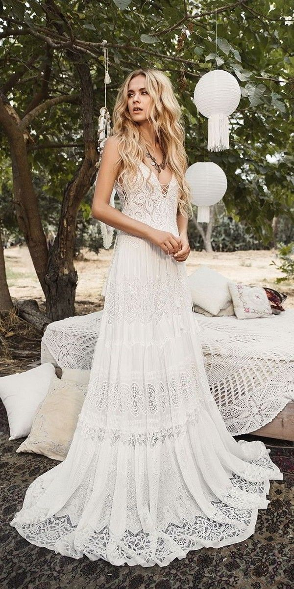 Trending 30 boho chic wedding ideas for 2018 boho for Bohemian wedding dress shops
