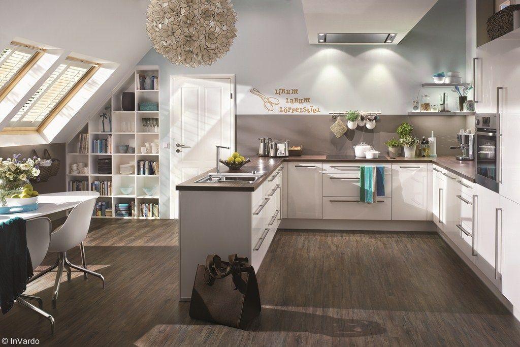 Eine Offene Wohnkuche Unterm Dach Bei Optimaler Raumausnutzung