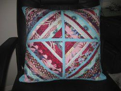 String Block #Quilted #Pillow #tutorial by @Elizabeth Dackson from Don't Call Me Betsy