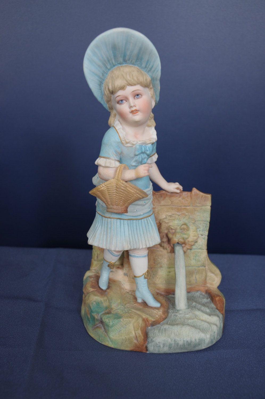 Figurine antique large German Rudolstadt blue girl