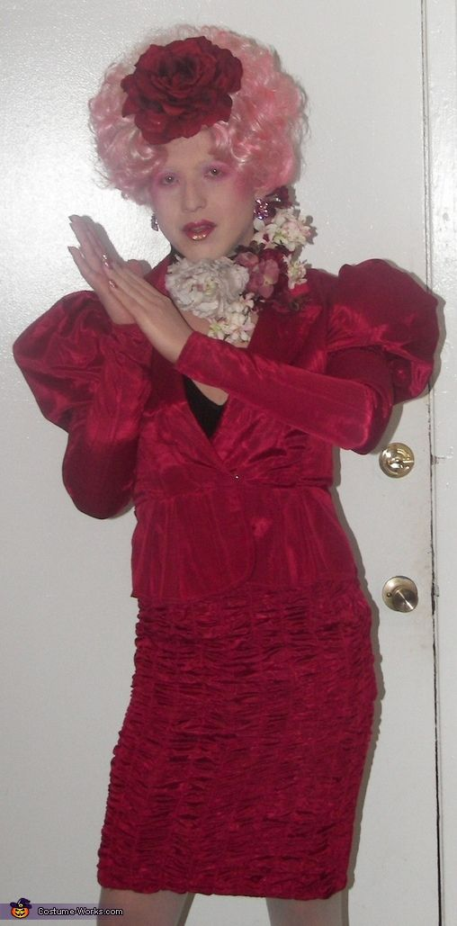effie trinket the hunger games halloween costume contest via costumeworks