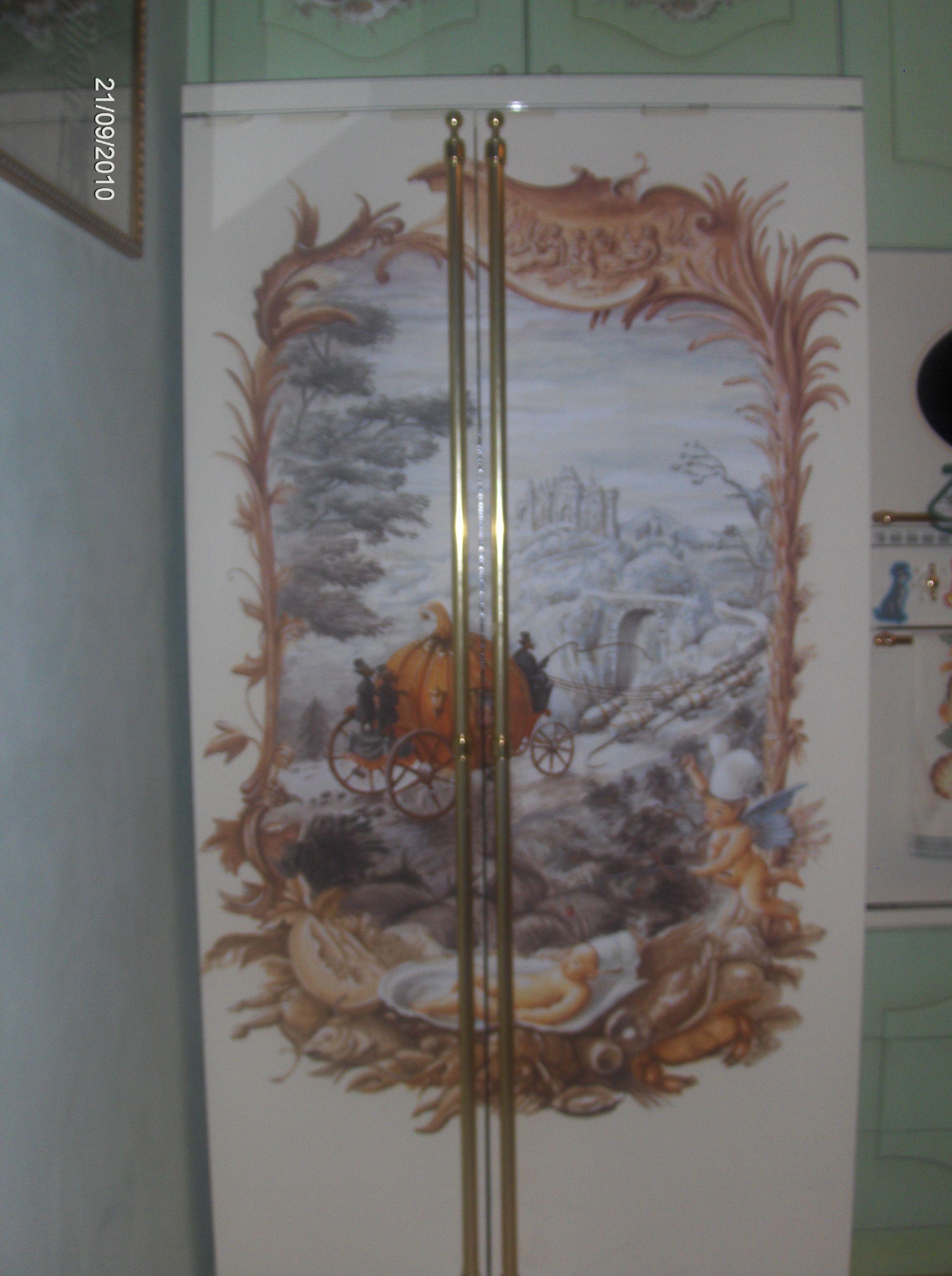 Frigorifero dipinto riciclo con restyling complementi di for Riciclo arredo