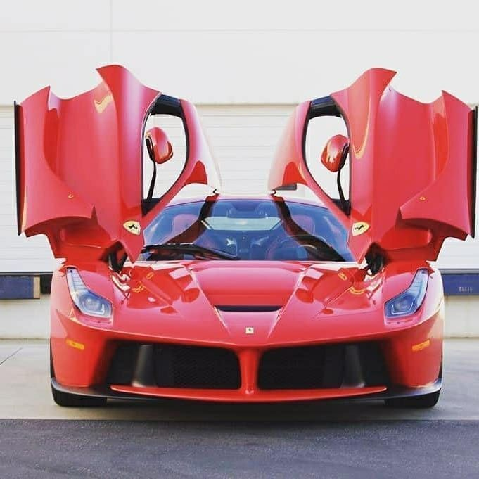 Ferrari LaFerrari???? Amazing car!???? What do you think? Tag a friend???????? . . . . . Red Ferrar