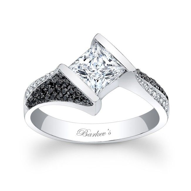 Exceptionnel Black And White Diamond Engagement Ring   7872LBKW   Stunning And Unique  This Black And White