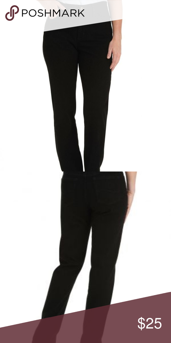 9bf9fe47 EUC Lee Relaxed Fit Straight Leg Black Jeans Featuring classic style, the Lee  Women's Relaxed