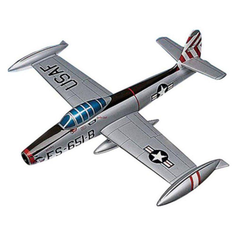 Daron Worldwide Republic F-84G Thunderjet Model Airplane