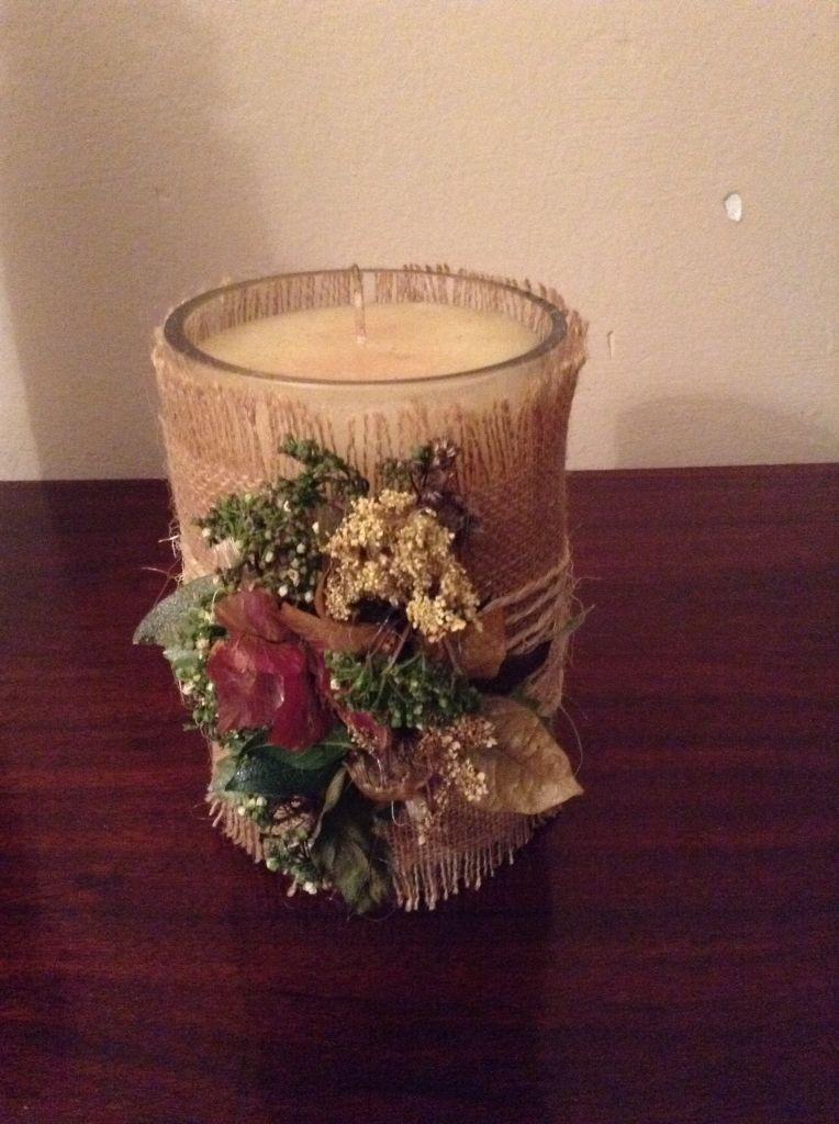 Jarr n con vela decorado con tela de saco y flores secas - Botellas con velas ...