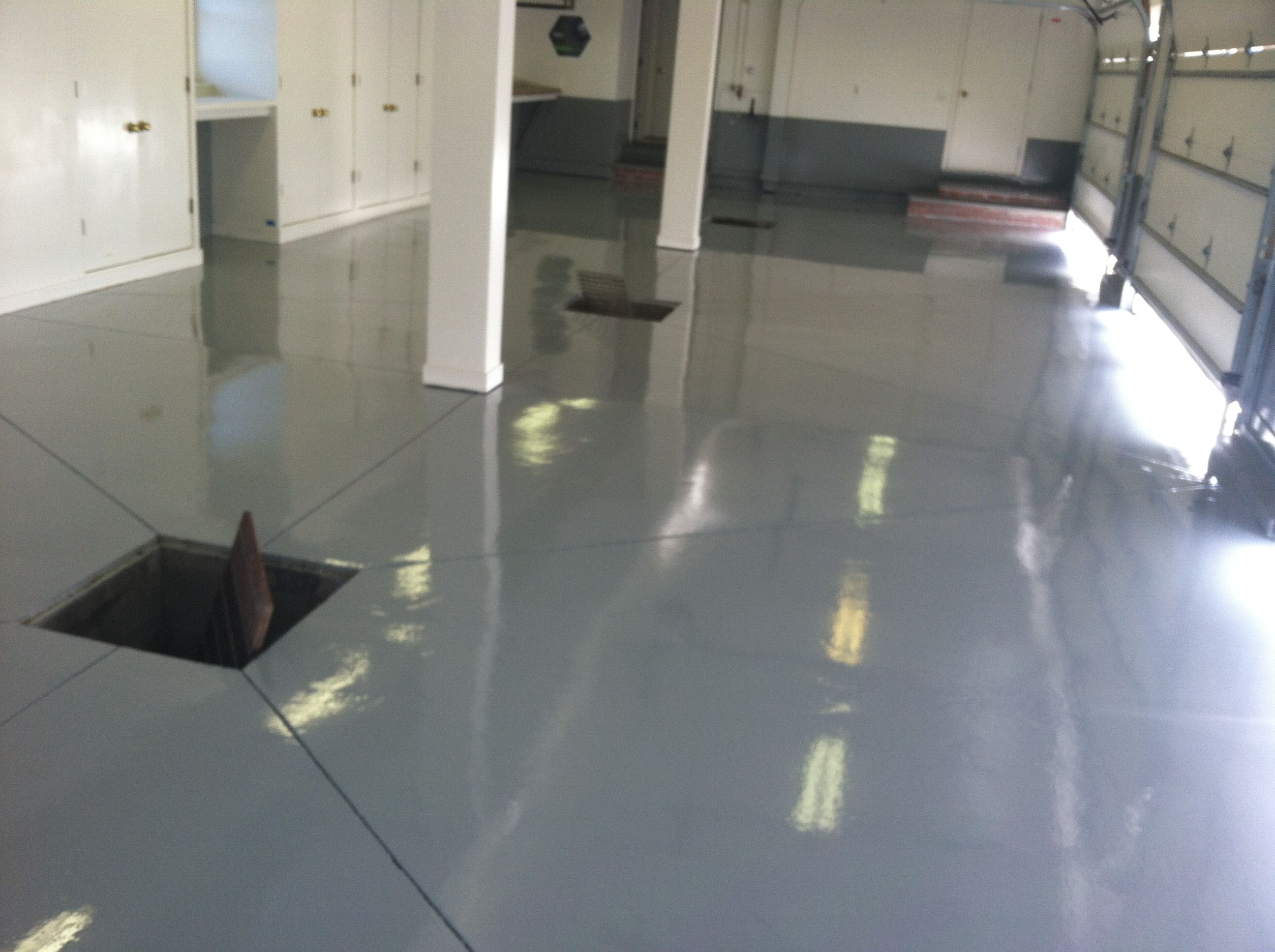 Epoxy Floors Ct Ep Floors Is A Single Source Installer Of Epoxy Floors Ct Specializes In Industrial Seamless Ep Flooring Contractor Flooring Epoxy Floor