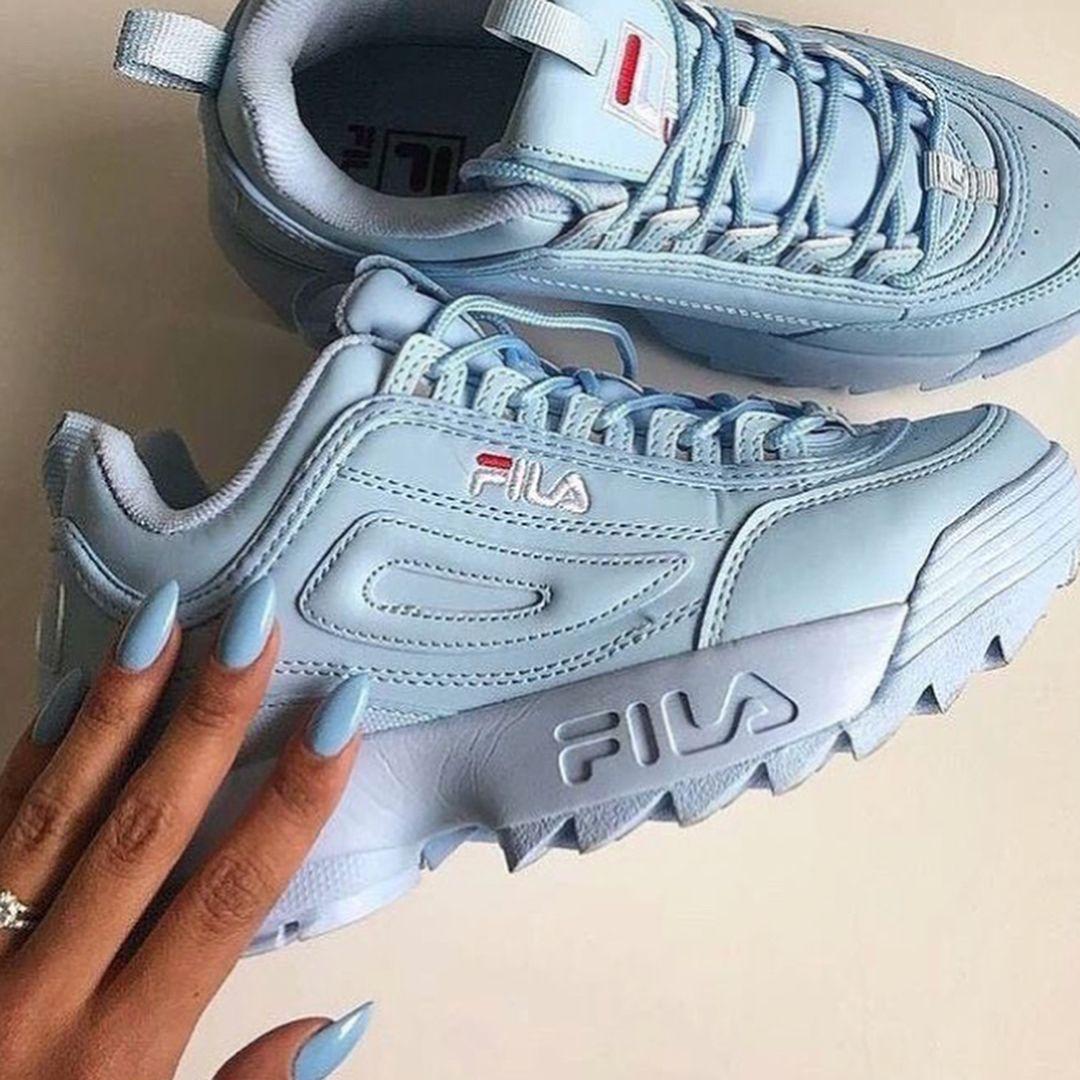 Pin by 𝕊𝕨𝕖𝕖𝕥 𝕥𝕠𝕠𝕥𝕙 on FOOTWEAR Sneakers, Sneakers outfit