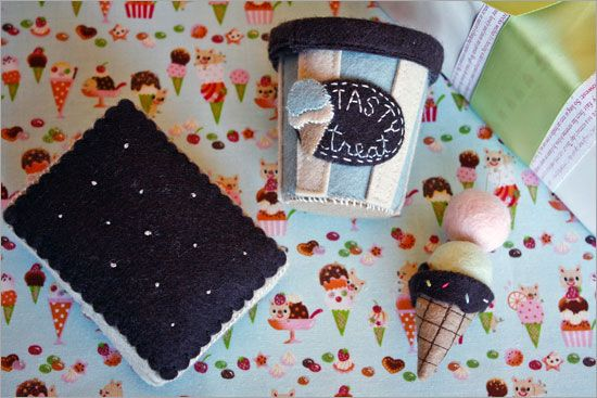 free ice cream patterns - cool! and the ice cream sandwich is a gift card holder!