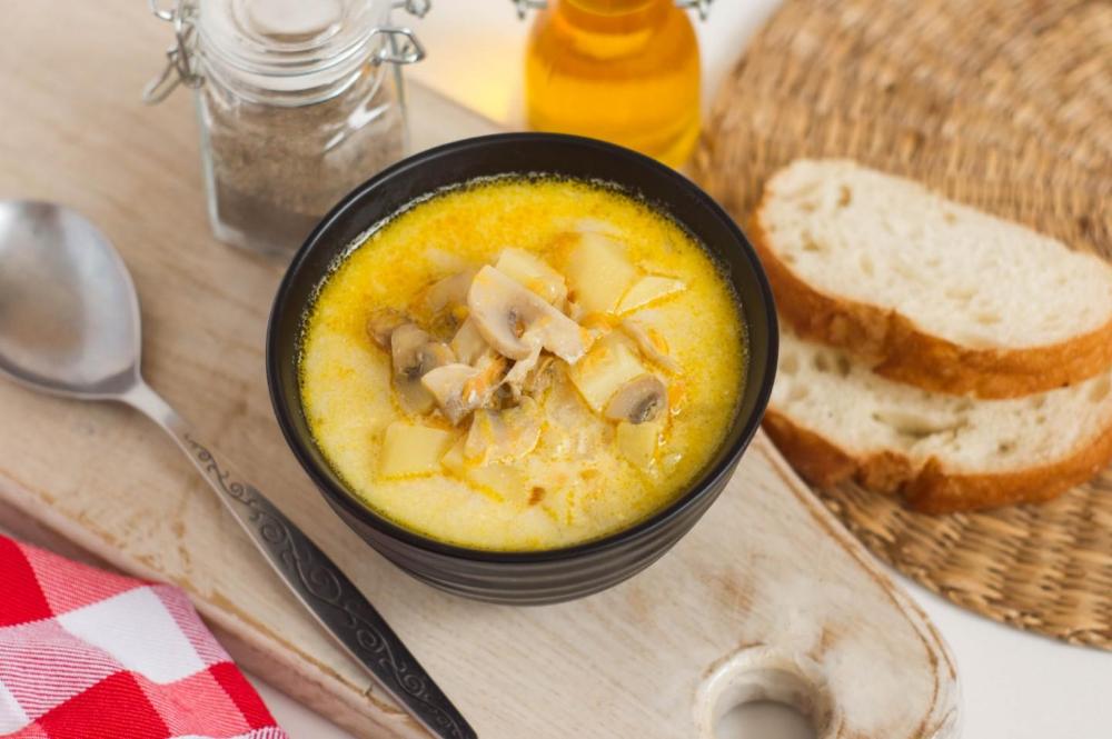 грибы с плавленным сыром и сметаной