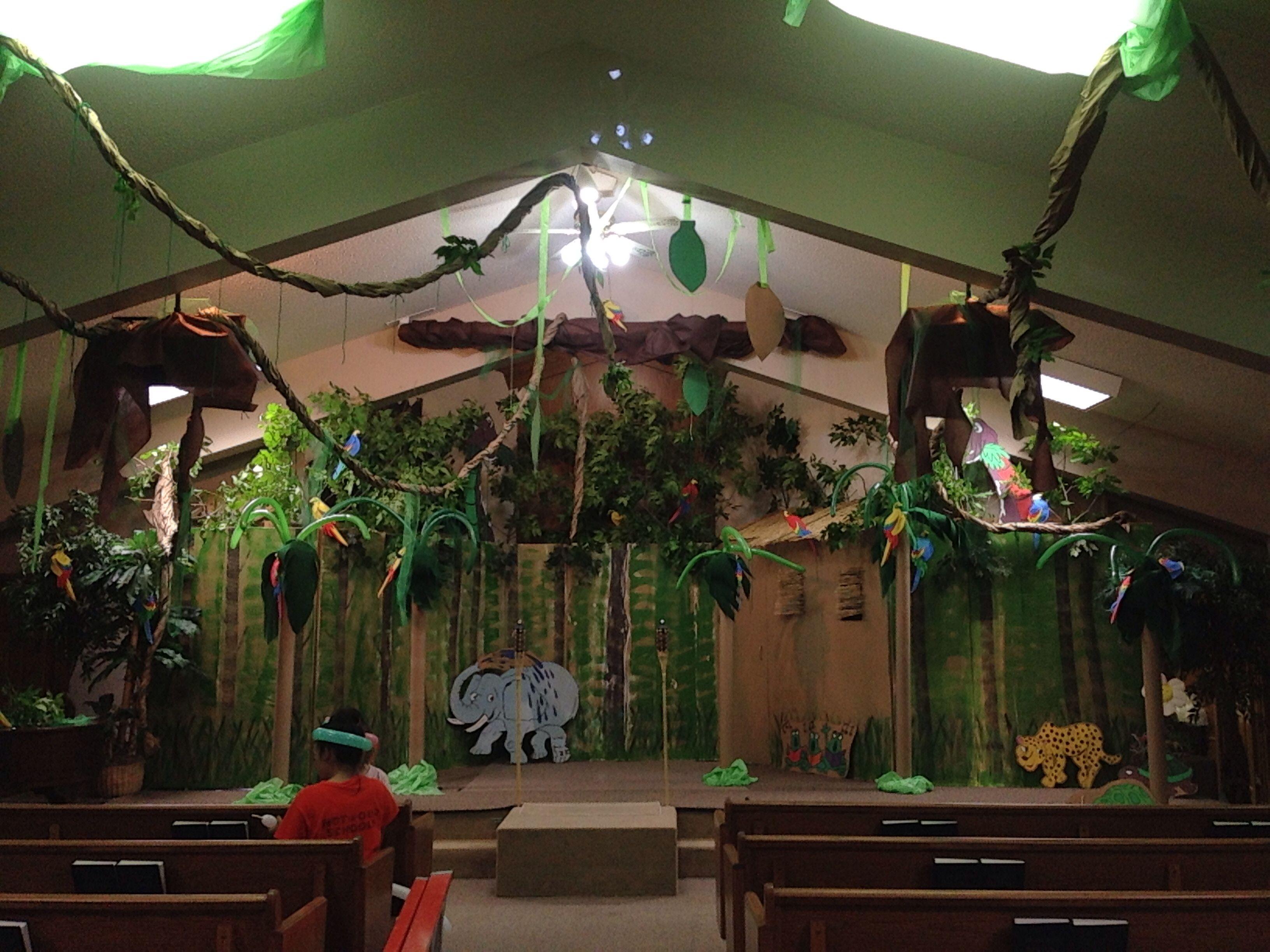 Arrow island jungle vbs vbs pinterest arrow church for Decoration jungle