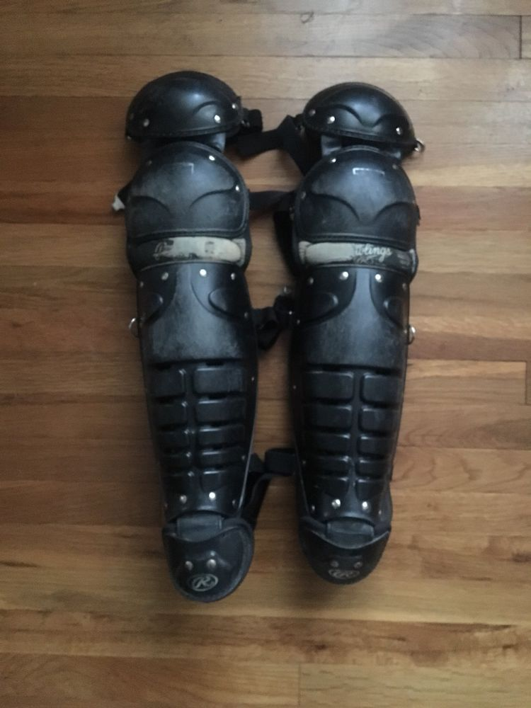 Rawlings 16DCW Ages 12 Catcher/'s Leg Guards NWT Softball