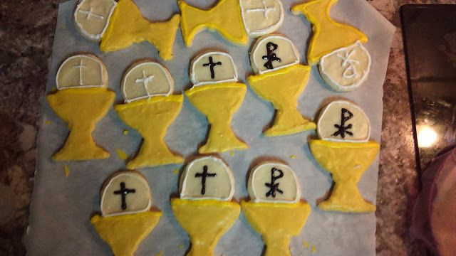 Chalice cookies for Catholic First Communion