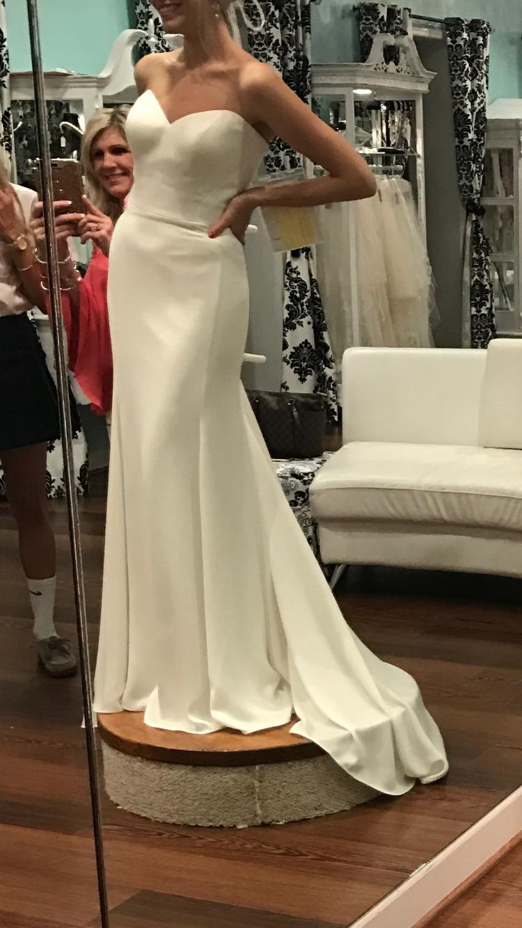 Size 8 wedding dress  Essense of Australia DIV  Size   New UnAltered