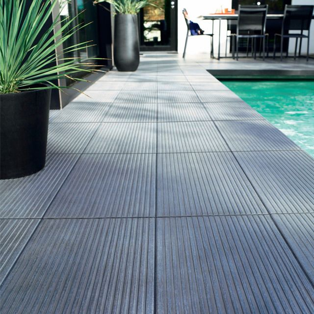 Castorama carrelage terrasse anthracite 31 x 61 80 cm loft for Decoration contour fenetre exterieur