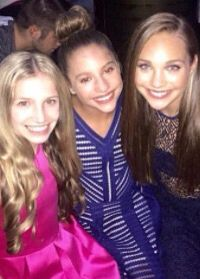 Maddie and Kenzie at teen choice awards