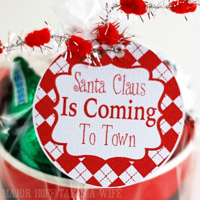 Free printable santa claus is coming to town gift tags holiday free printable santa claus is coming to town gift tags negle Image collections