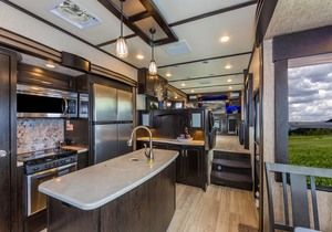 2017 Grand Design Momentum 376TH Stock: 17150 | River City Recreation World has the Travel Trailer to fit your needs. Come and see us today! http://www.rivercityrvs.com/