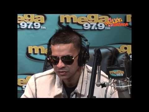 El Vacilón De La Mañana Entrevista Con Plan B Youtube Round Sunglass Men Mens Sunglasses