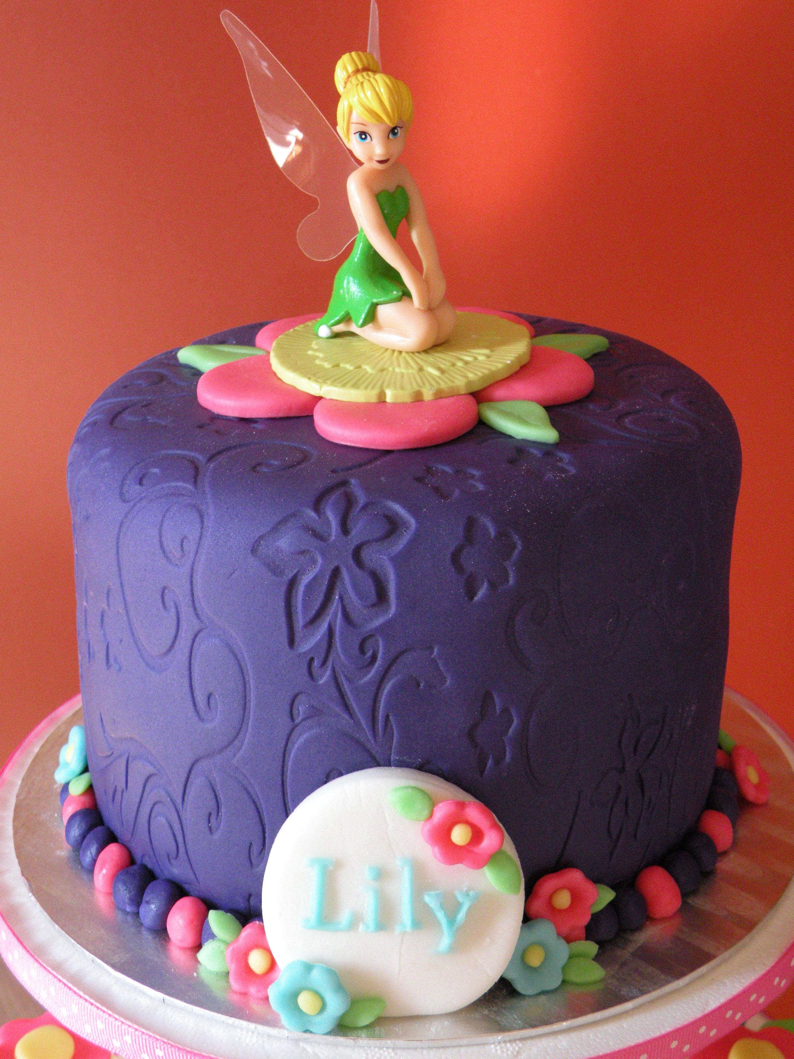 Tinkerbell Cake Like This For Top Amp Cupcakes Around Or