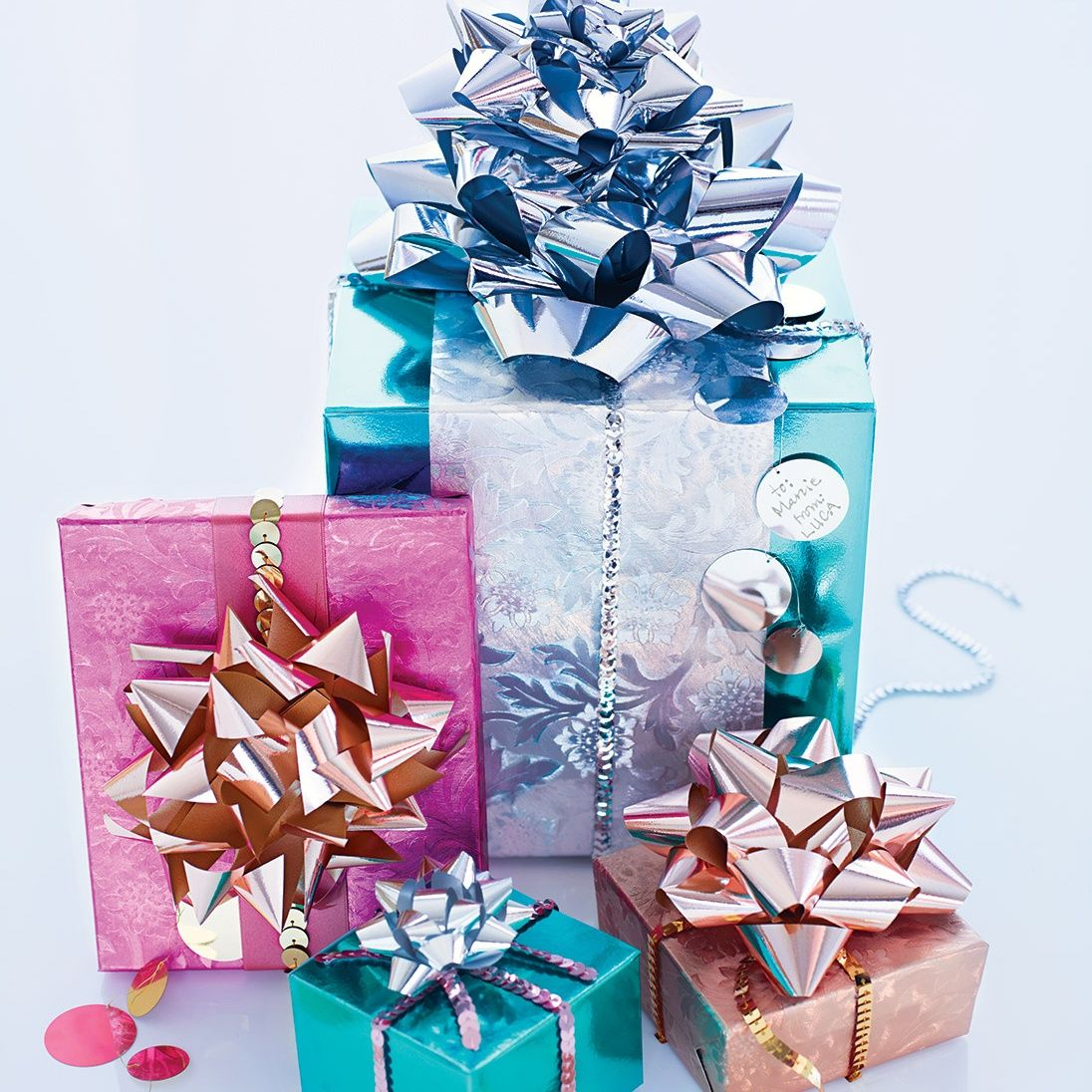 Quick Gift-Wrapping Ideas | Wrapping ideas, Christmas wrapping and Wraps