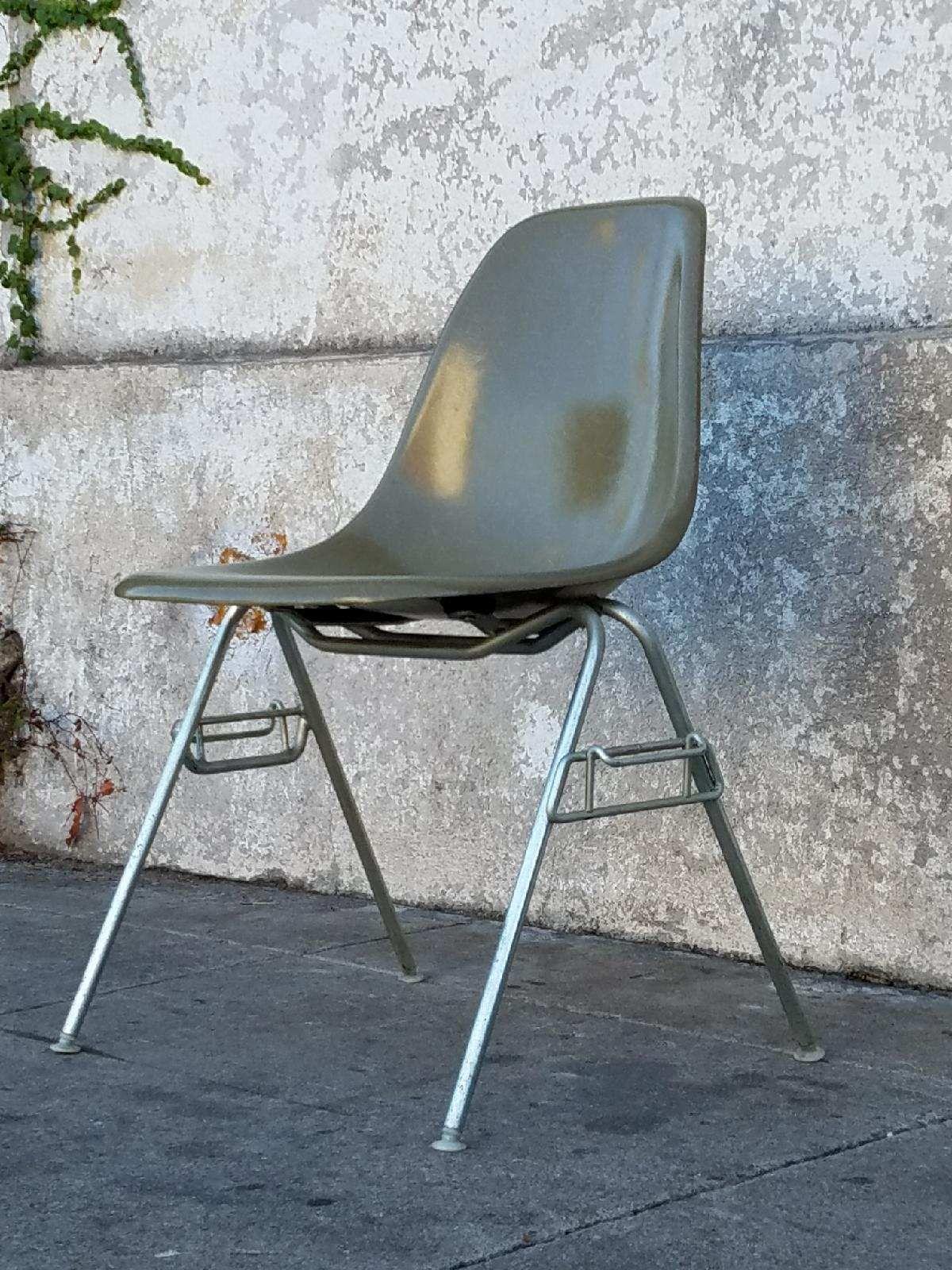 Vintage Herman Miller Eames Chair In Avocado Green Herman Miller