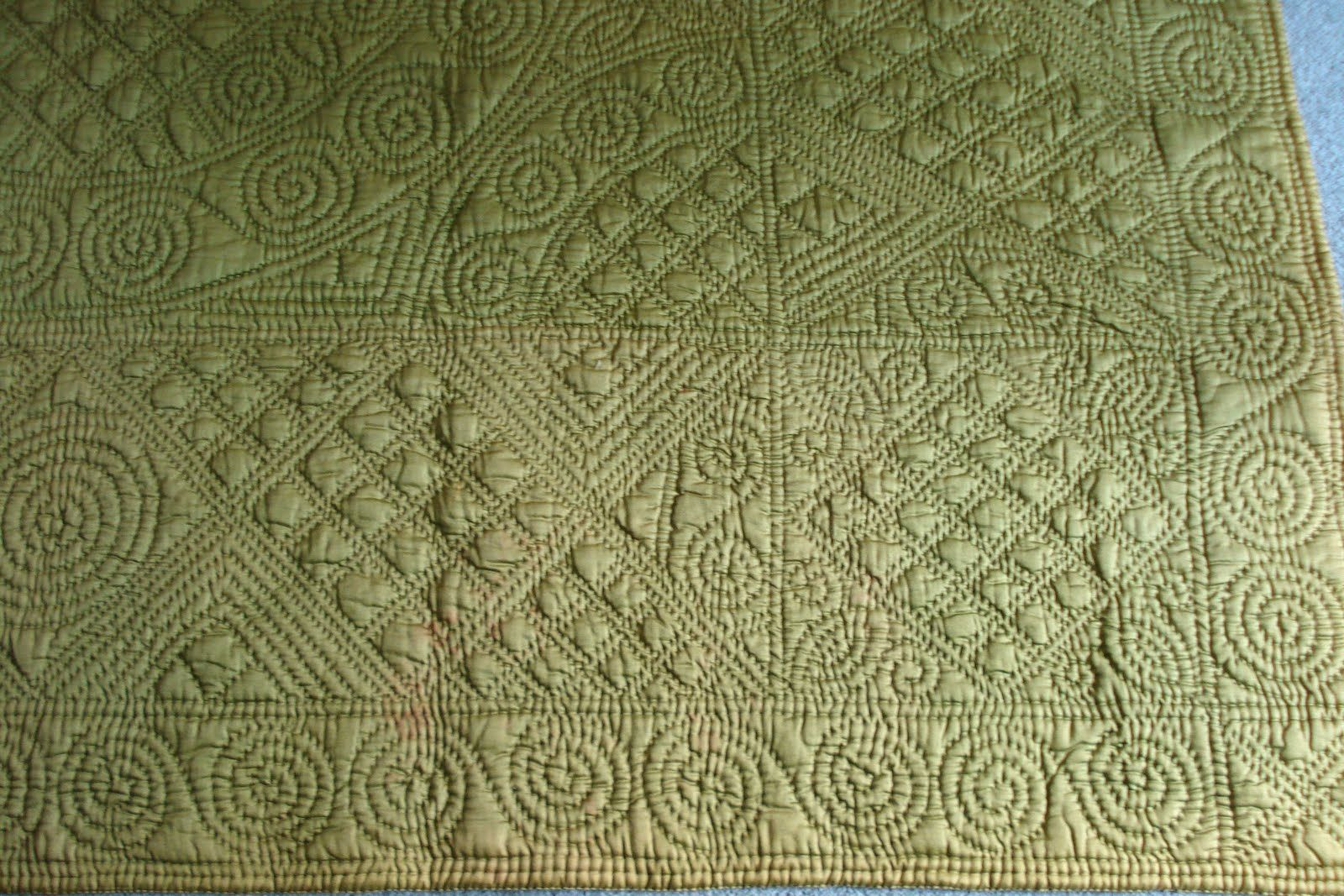 Green And Gold Wholecloth Welsh Quilt Whole Cloth Quilts Traditional Quilts Machine Quilting Designs