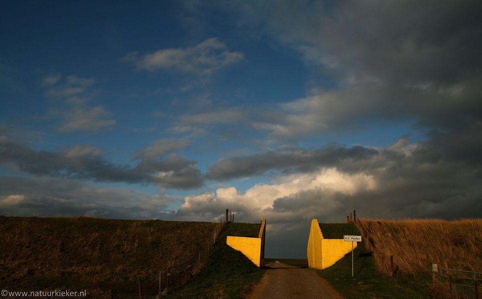 Natuurkieker: Dramatische luchten op het Groningse platteland