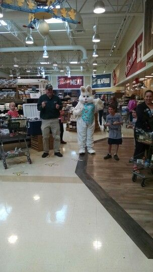 Chicken Dance With The Easter Bunny Jacksonville Nc Lowes Food