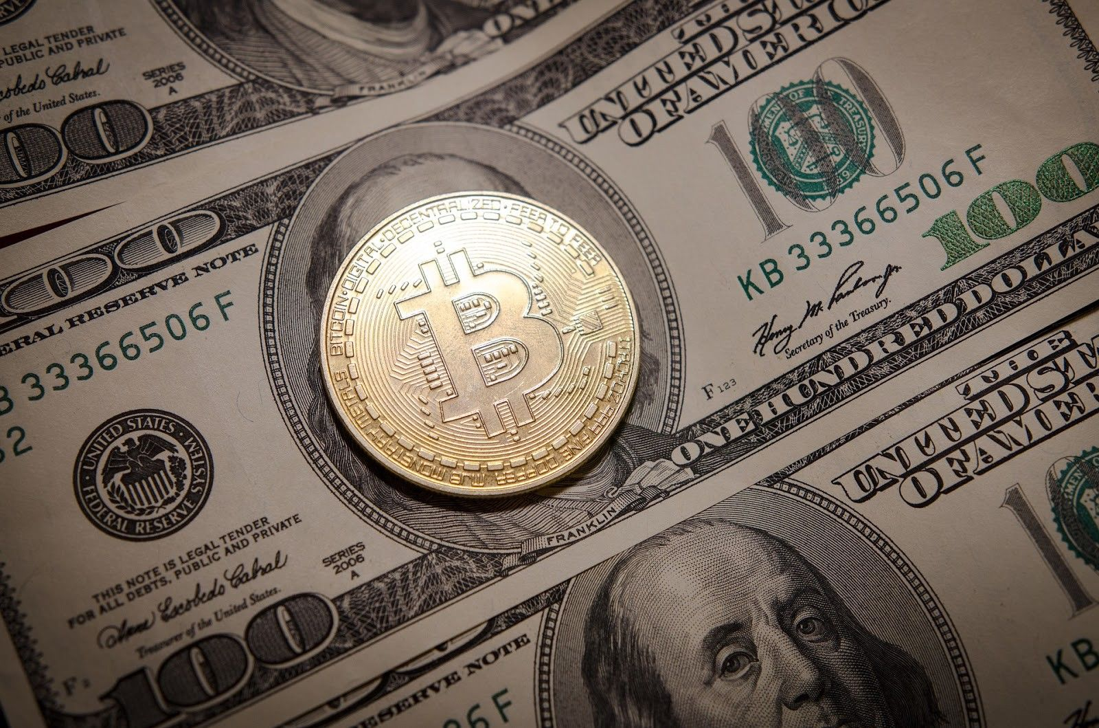 Fiat vs Cryptocurrency Pros and Cons Bitcoin price