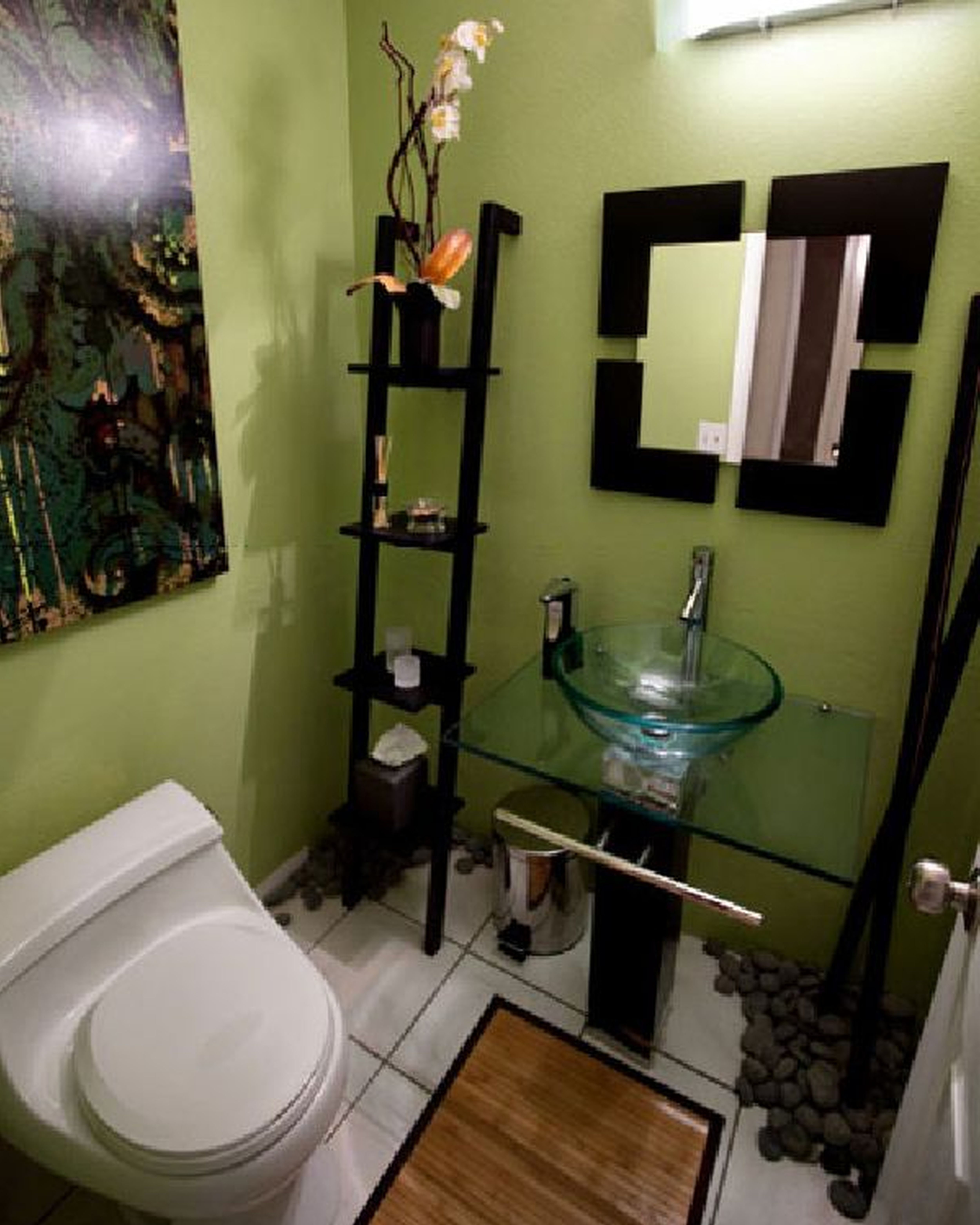 Need To Do Some Updates Around The House But Think You Lack The Funds For Any Worthwhile Home Im Bathroom Decor Apartment Bathroom Design Bathroom Design Small