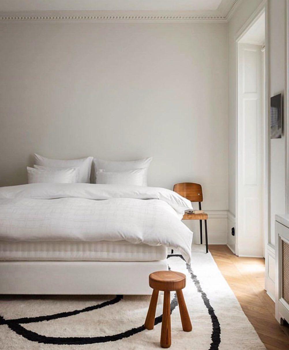 "DECOR NO5 on Instagram: ""@fredrikkarlssoninteriors #decorno5 #decor #interiordesign #interiorinspiration #london #homeinspiration #interiorinspo #design #interiors…"""