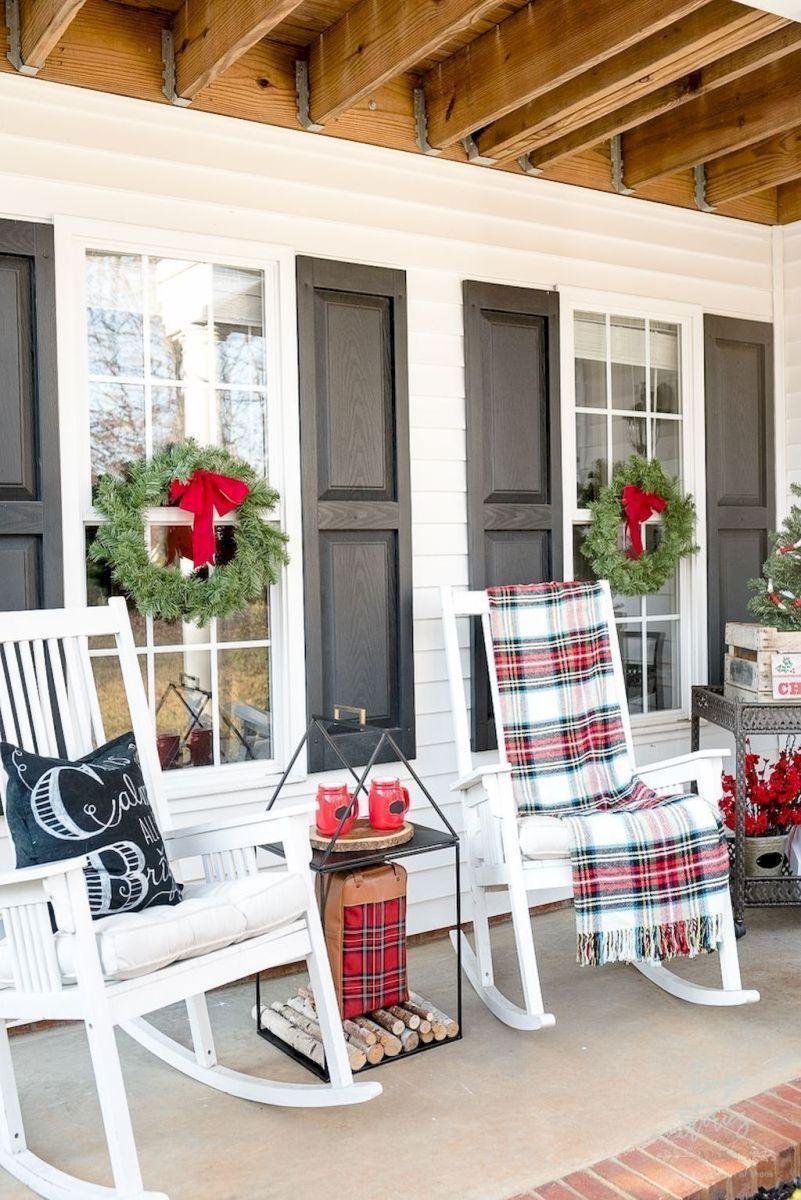06 rustic farmhouse front porch decorating ideas