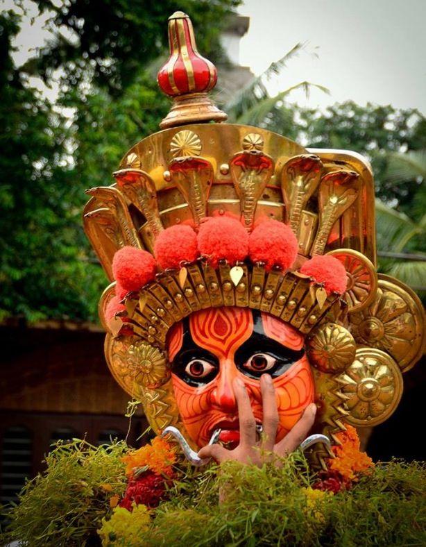 Kummatti Kali (Traditional folk dance during ONAM festival ...