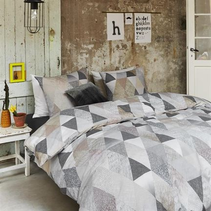 Beddinghouse Saba dekbedovertrek - www.smulderstextiel.nl - #modern #driehoek #pattern #modern #dessin #bedding #sheets #beddengoed #lifestyle #interior #bedroom #slaapkamer #overtrek