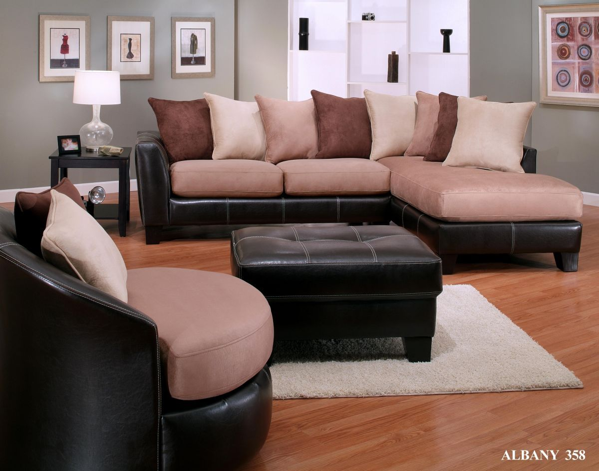 New Oxford Two Tone Mocha Saddle Sectional With Throw Pillows