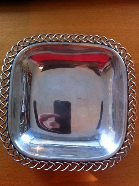 Online veilinghuis Catawiki: Zilveren rechthoekig schaaltje met gevlochten rand