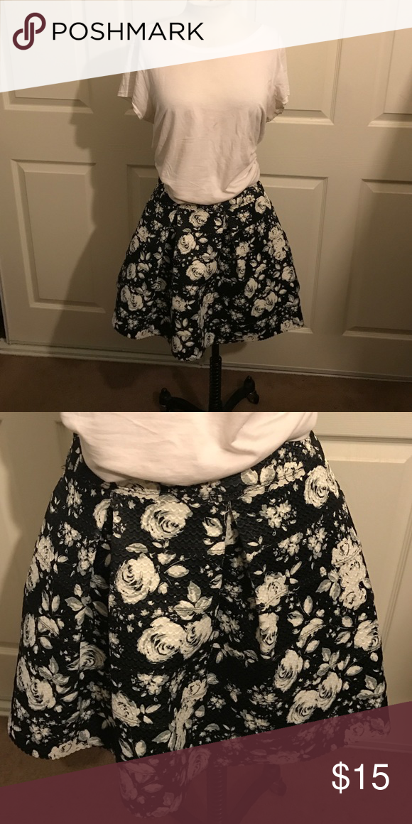 aaca82a55 Pretty Floral Print Skater Skirt NWOT skirt black with white and gray 🌺  flowers. Has pleats and bandage style material Xhilaration Skirts Circle &  Skater