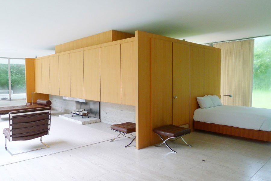 Mies van der rohe 39 s farnsworth house farnsworth house for Mid century modern design principles