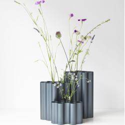 Photo of Nuage Vase L stahlblau Vitra